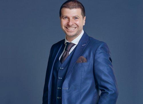 Dr Plamen Russev