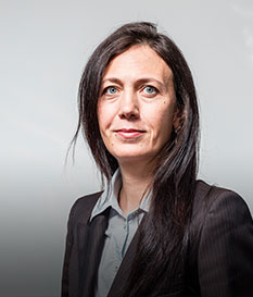 Соня Николова, Прокурист в iCard