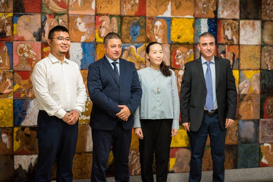 Dr. Cao and Assoc. Prof. Evgeni Evgeniev, guest lecturers at a University of Economics – Varna international workshop