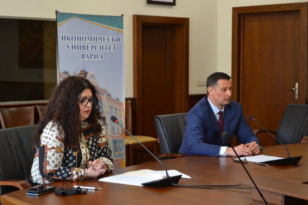 """С дебат на тема """"Развитието на правната рамка в социалната област в Европа"""" започна Седмицата на правото в ИУ – Варна"""