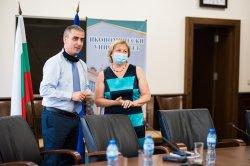 Д-р Х. Чао и доц. д-р Евгени Евгениев, гост-лектори на международен работен семинар в Икономически унивеситет – Варна