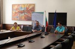 Подновен е договорът между ИУ – Варна и CIMA