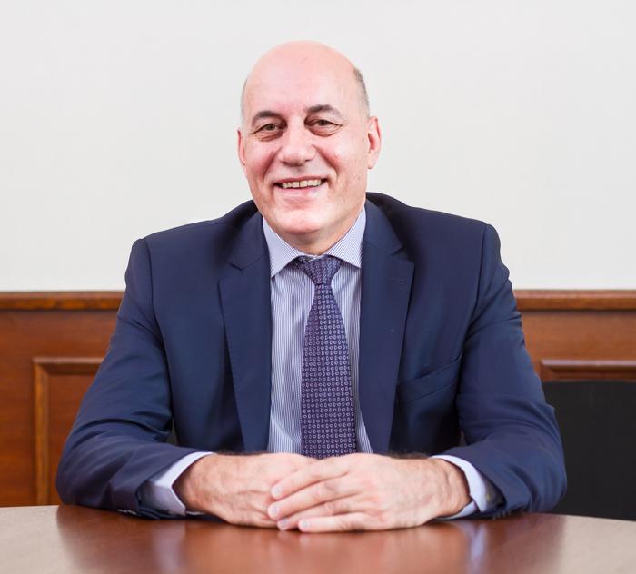 проф. д-р Пламен Илиев